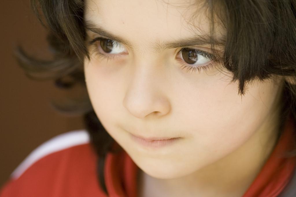 asia-big-maroon-eyes