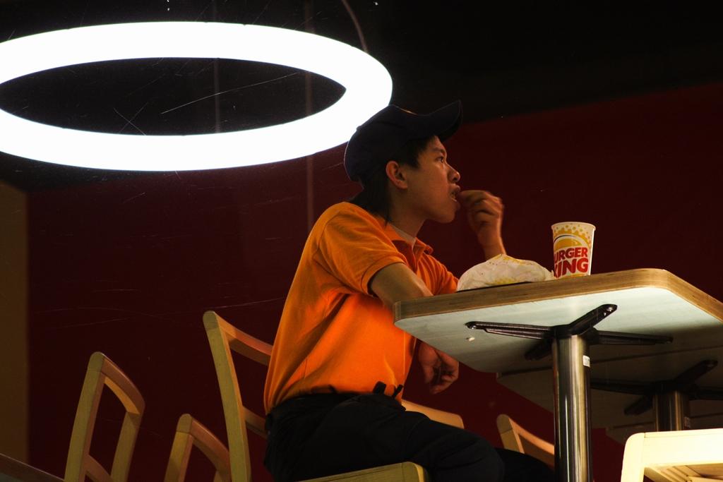 fast-food-employee-dinner