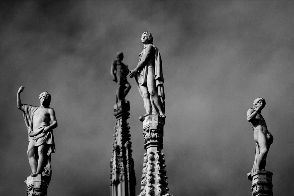milan-dome-statues