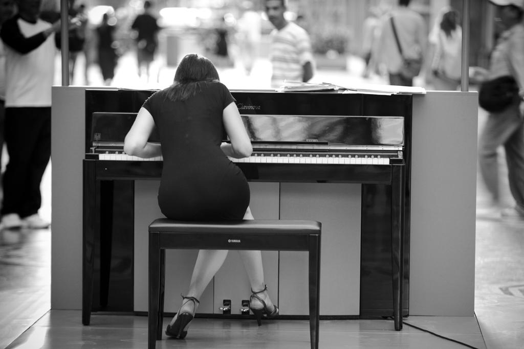 sexy-piano
