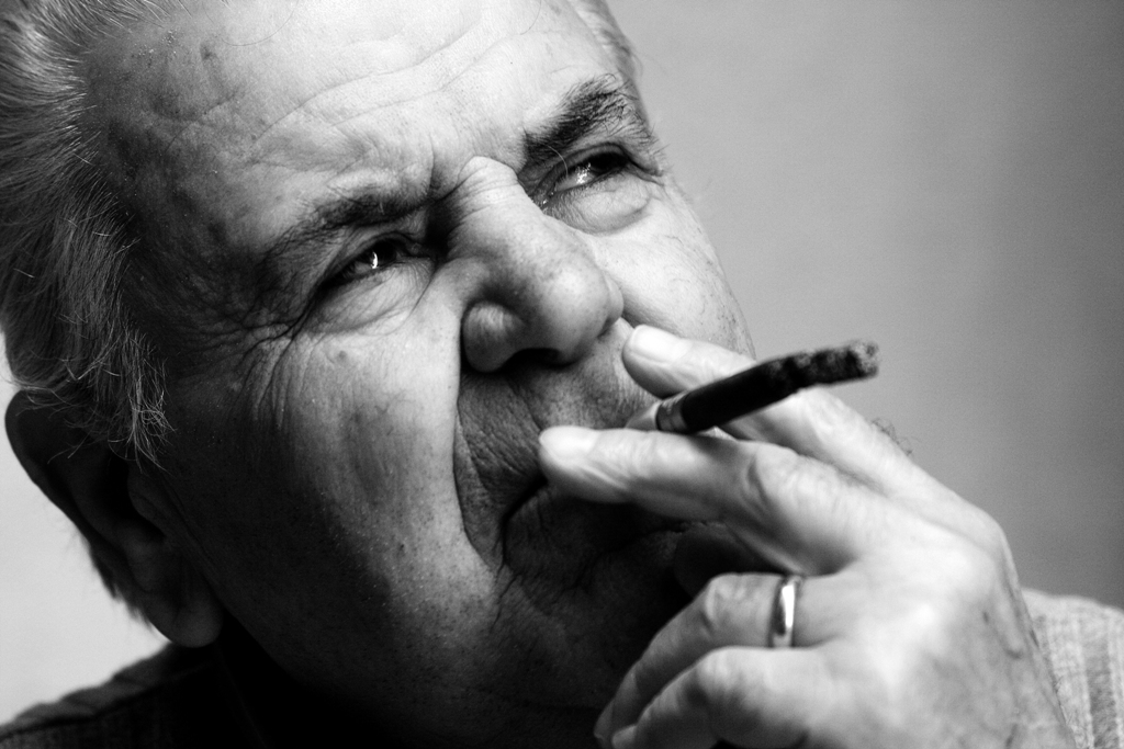 south-italy-masks-dad-smoking